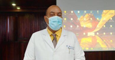 Director del Moscoso Puello llama a comprender y ayudar pacientes Salud Mental