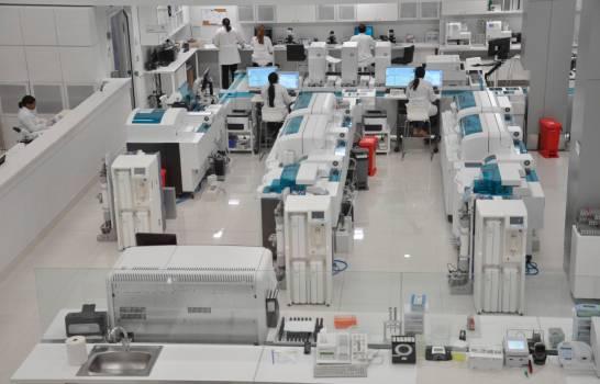 Laboratorio privado dispone de pruebas para identificar variantes del COVID-19