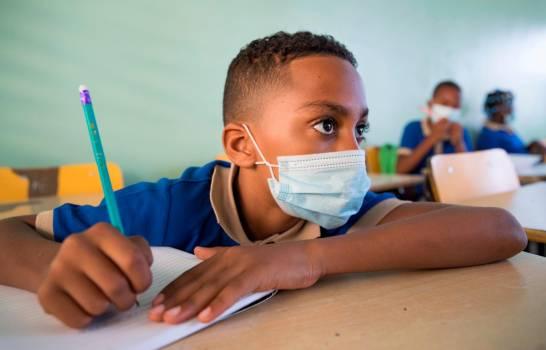 Salud y Educación recaban datos de estudiantes vacunados