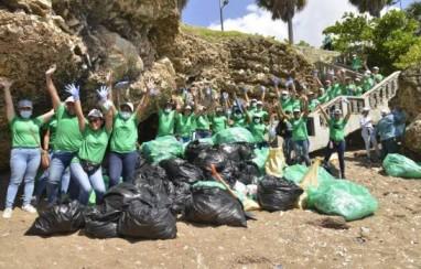 SeNaSa celebró el Día Internacional de Limpieza de Playas con jornada de recogida de basura